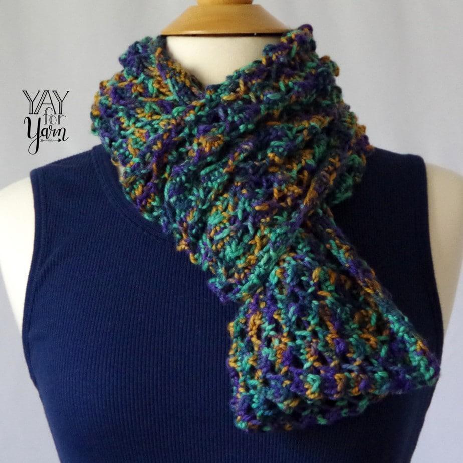 #knitcrate #knitcratereview #handdyedyarn #knittedcowl