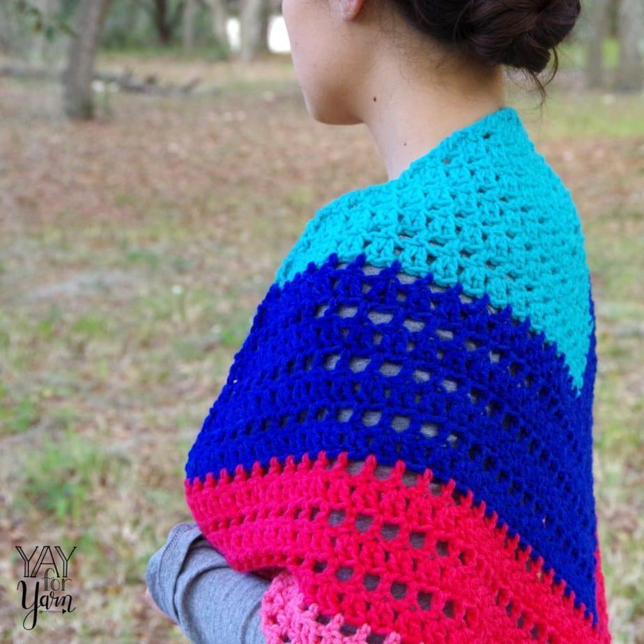 Shawl pictured was made using Yarn Bee Sugarwheel yarn.