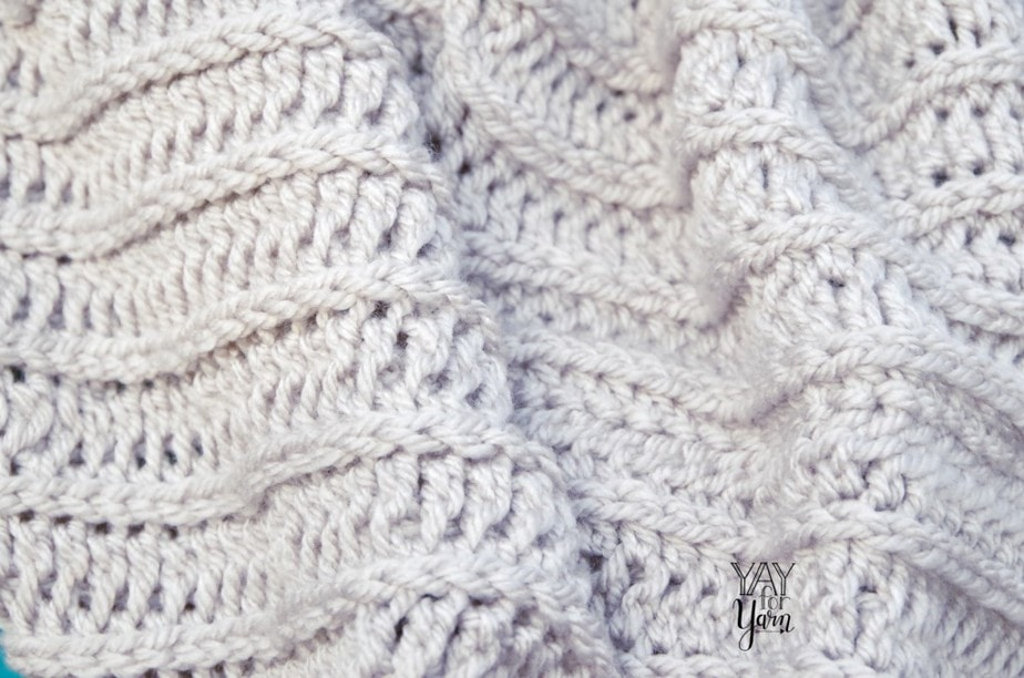 Knit-Look Crochet Cowl - FREE Crochet Patter by Yay For Yarn