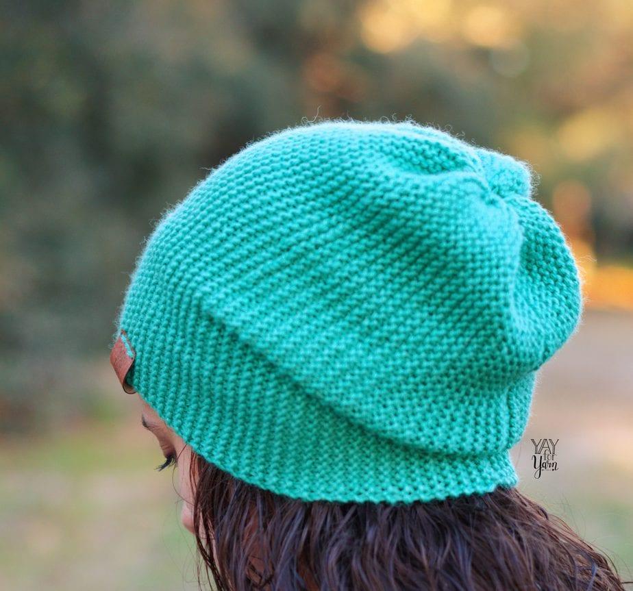 easy slouchy hat pattern in dk weight yarn mint green slouchy beanie