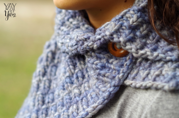 Easy warm women's cowl, knit in bulky weight yarn, super warm and cozy, spring winter fall fashion accessory
