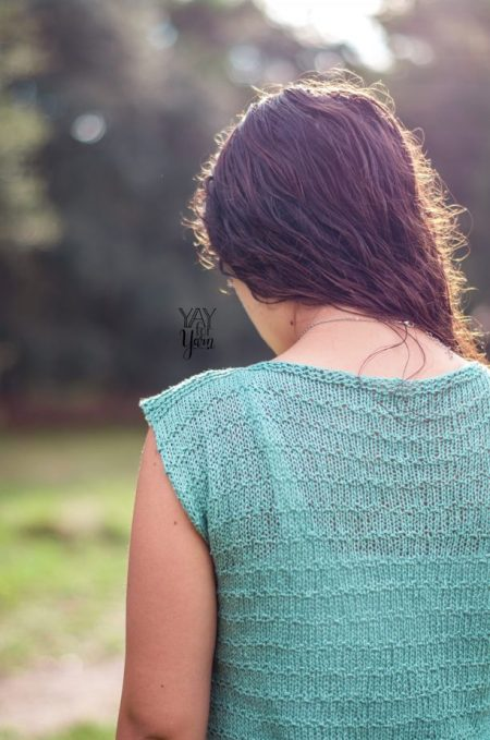 seaspray knitted tee, back of shoulder view