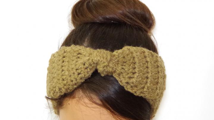 FREE Crochet Pattern - Knotted Bow Earwarmer Headband   Yay For Yarn