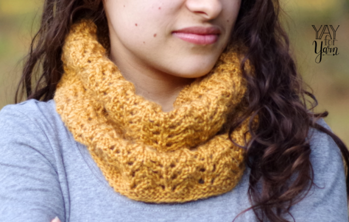 Quick, One-Skein Lace Cowl - Free Knitting Pattern