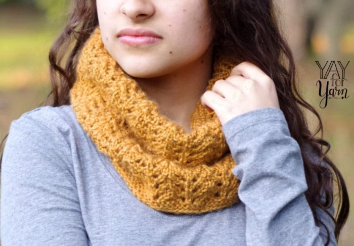 Free Lace Cowl Knitting Pattern for Beginner Lace Knitters