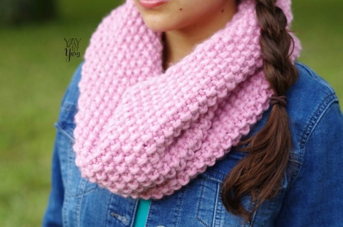 easy chunky knit cowl pattern for beginners modern trendy fall winter accessories