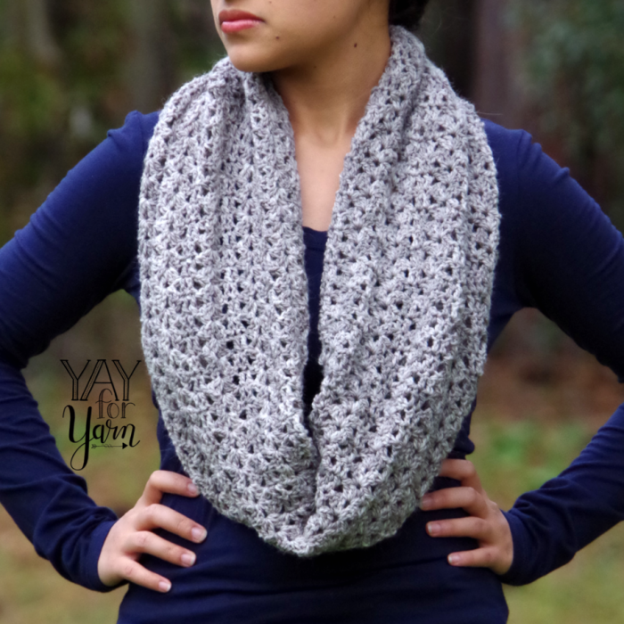 FREE Crochet Infinity Scarf Pattern with VIDEO TUTORIAL - How to Crochet an Infinity Scarf | Yay For Yarn